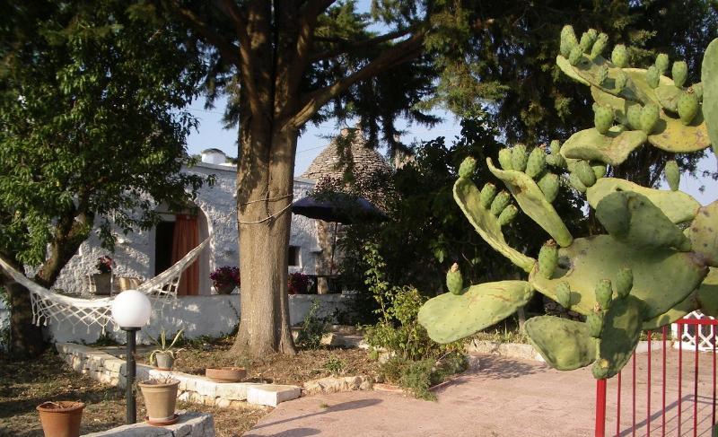 Trullo Pintucci, holiday rental in La Fica
