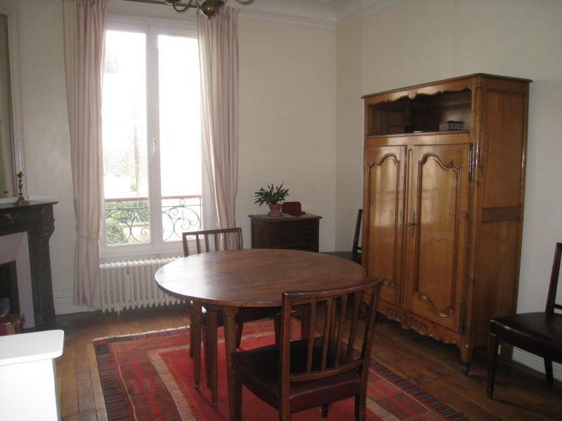 Appartement de charme à Vincennes, vacation rental in Nogent-sur-Marne