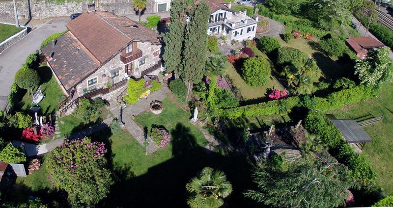 Apartment in chalet overlooking Isola bella, vacation rental in Stresa