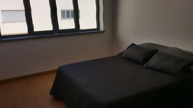 3º quatro é uma suite com casa de banho c/ banheira