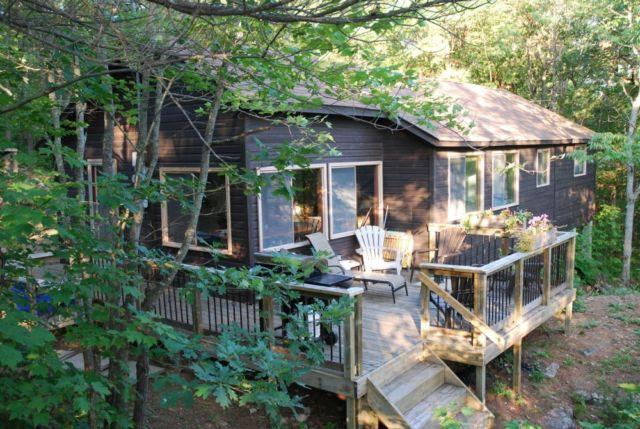 Private 4 Bedroom Muskoka Cottage, holiday rental in Big Chute