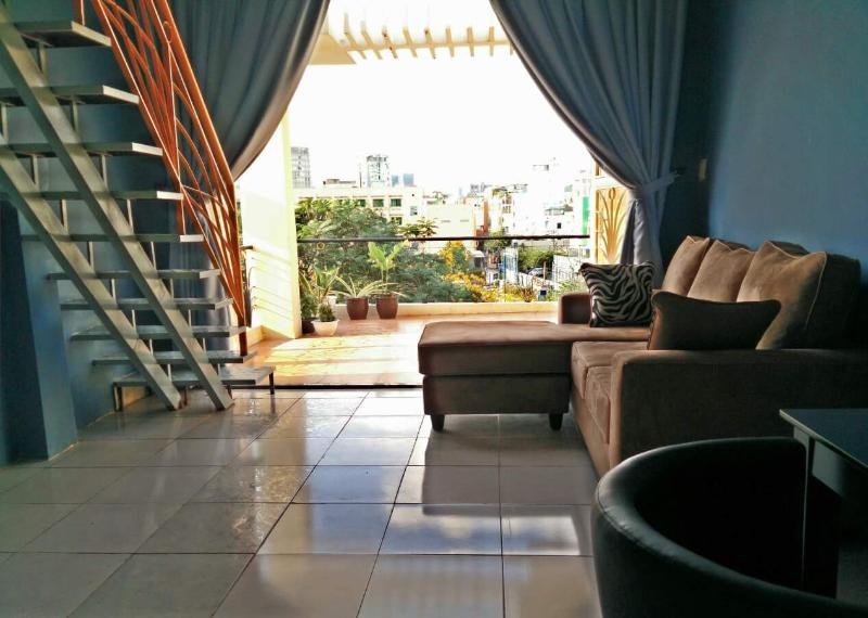 Stylish Bungalow Penthouse, CBD, holiday rental in Ho Chi Minh City