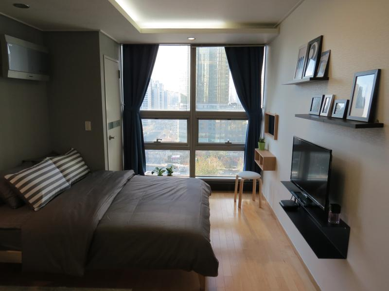 Urban & Chic Studio in Gongdeok, holiday rental in South Korea