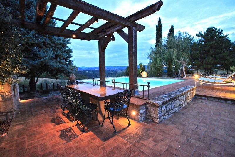 Casa Boschetto, casale con piscina, vacation rental in Fratta Todina
