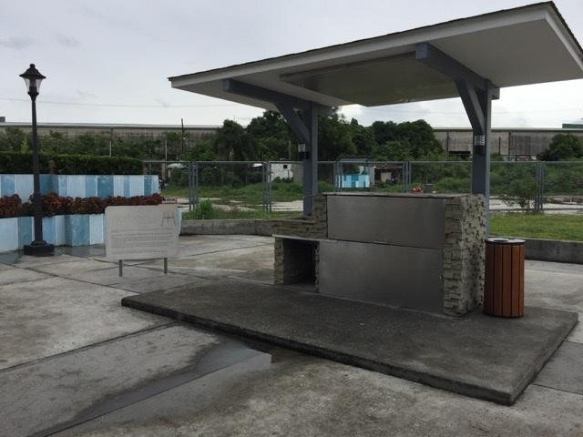 Barbecue pits, for outdoor parties and barbecues, large enough for a huge party