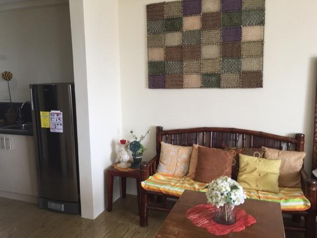 Full size refrigerator, microwave, coffee maker, rice cooker all reflect amenities of modern living