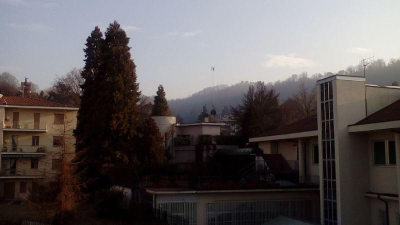 Small apartment, quiet, green neighborhood, alquiler vacacional en Sciolze