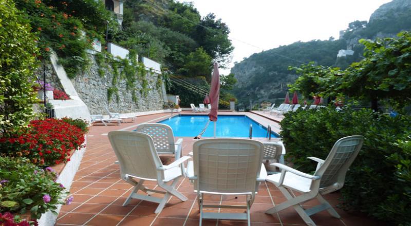 02 Tulipano shared pool area