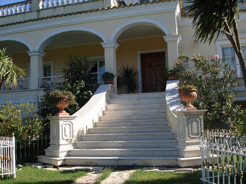 Villa of exquisite beauty,ideal for a calm holiday, holiday rental in Evropouli