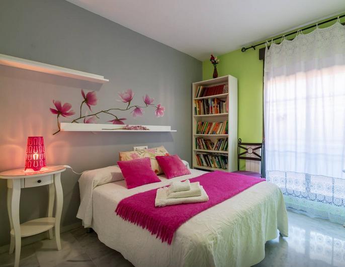 Habitaciones espaciosas y confortables con las mejores calidades. Terraza particular.