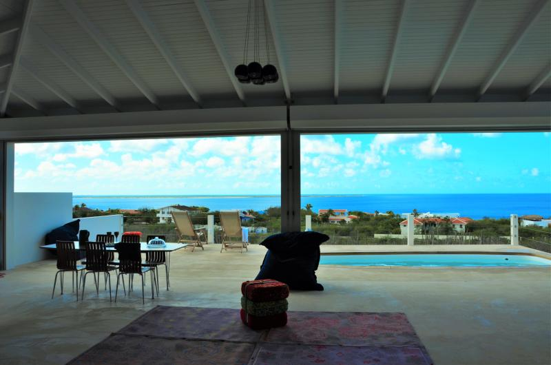 Villa Vincent, with sea views and nice wind, location de vacances à Kralendijk