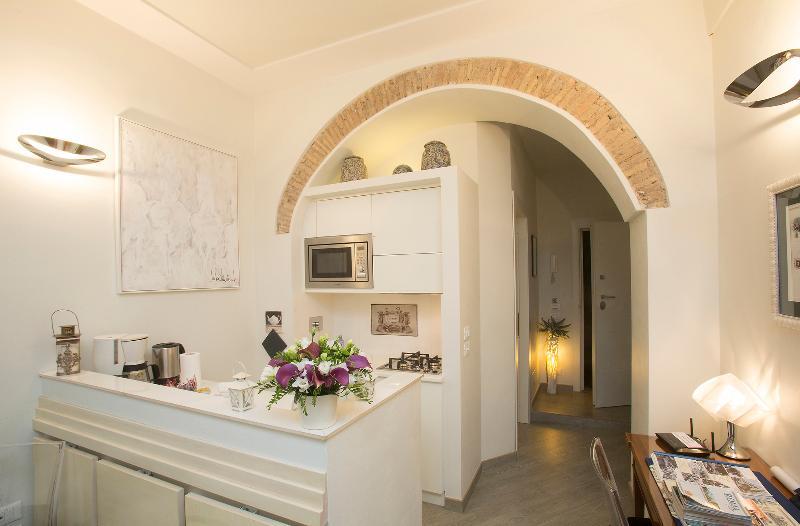 Central Rome Campo de' Fiori LUXURY HOME wonderful review - free wifi-, alquiler de vacaciones en Roma
