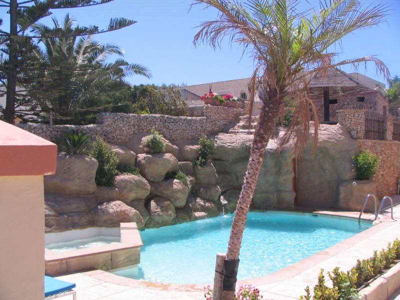 TranquiI Villa Apartments Units Mellieha One Bedrooms own terrace  & Shared Pool, holiday rental in Xemxija
