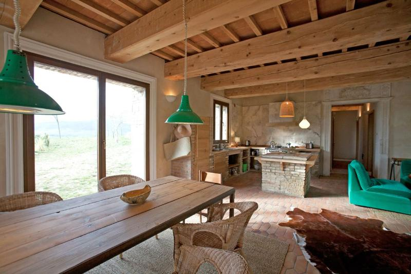TUSCANY FOREVER RESIDENCE VILLA FORMA/ 0, casa vacanza a Saline di Volterra