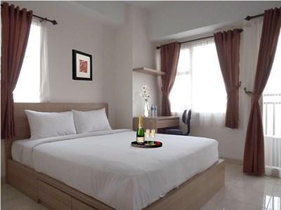 Nice and Cozy Apartment near Jakarta, Ferienwohnung in Bogor