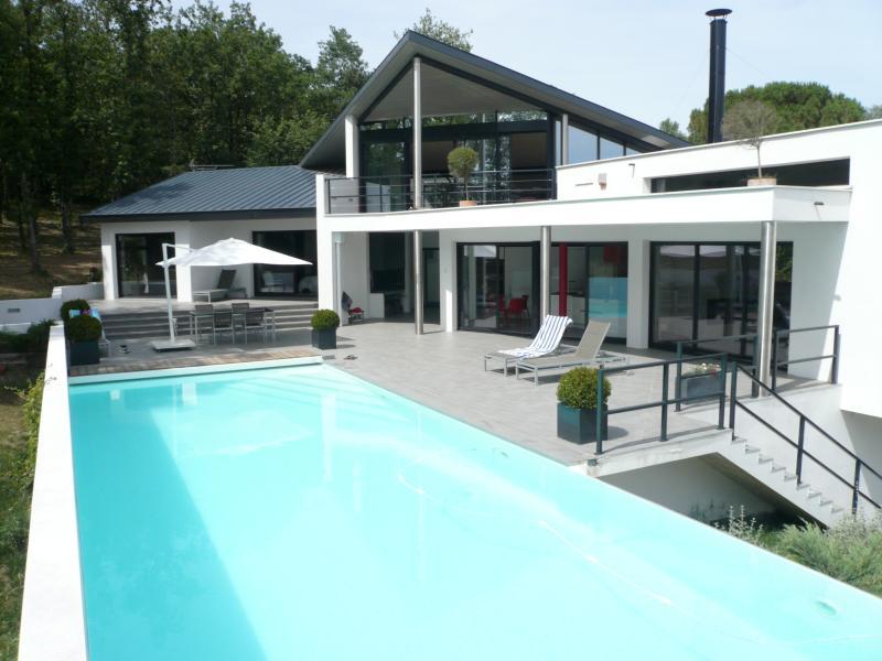 Maison d'architecte contemporaine, casa vacanza a Tolosa
