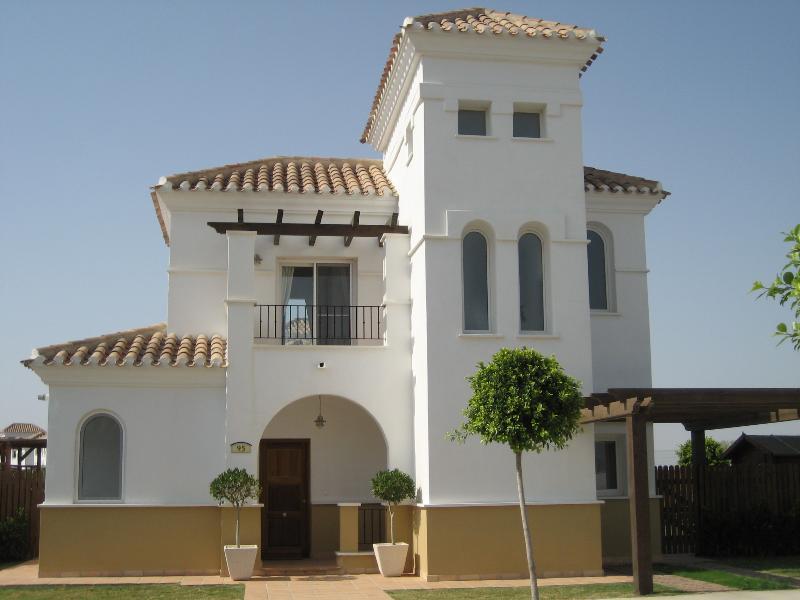 La Torre Golf Resort, 3 Bed Holiday Villa – semesterbostad i Roldan