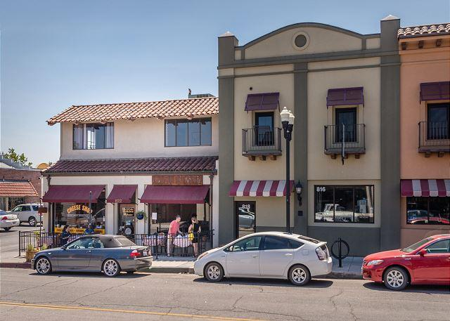Downtown Loft Perfect for a Couple's Getaway!, holiday rental in Paso Robles