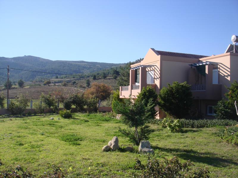 Casa Verde - Getaway between Mountain and Sea!, holiday rental in Zipari