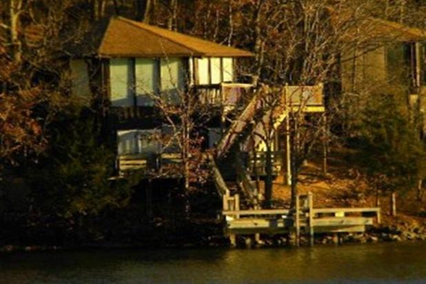 three layers of DECKS upper/lower and Martini deck/dock in WATER