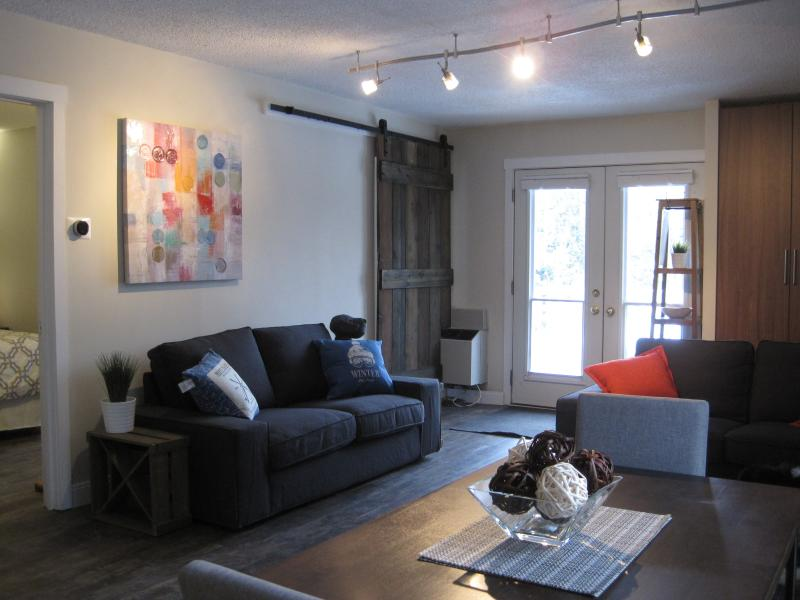 Gorgeous 2 Bdr Suite Min from Blue Mountain!!, holiday rental in Stayner