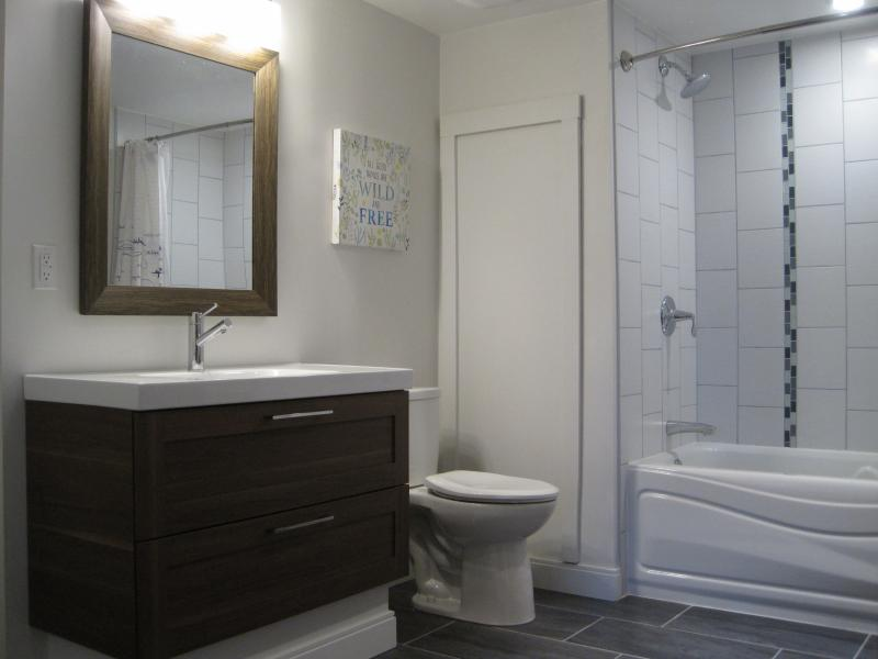 Bright Bathroom, Heated Floors!!