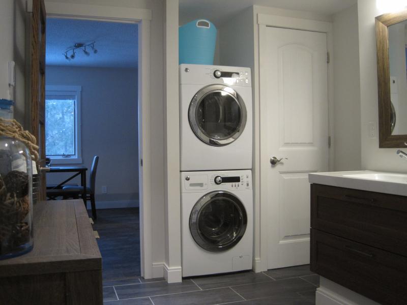 En-Suite Washer and Dryer!!