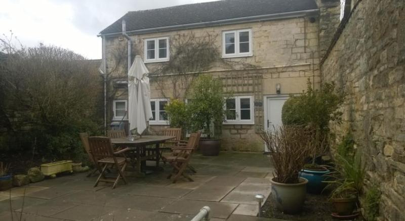 Troy House B&B, vacation rental in Chalford