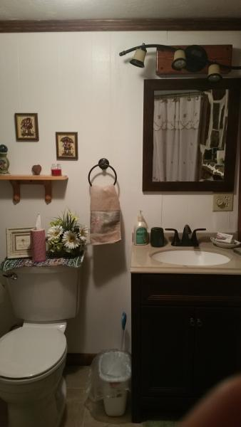 Very cute washroom with shower