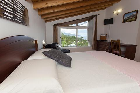 SUITE JASMIEN WITH OCEAN VIEW