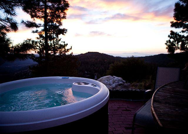 bain à remous privé et isolé une vue imprenable