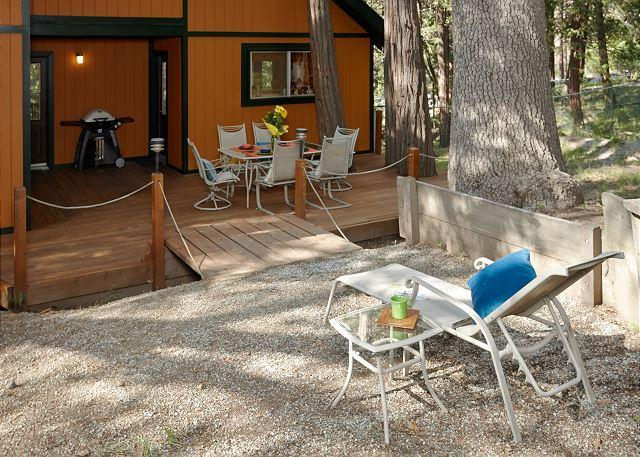 Take a step out back to enjoy this hidden gem of Idyllwild