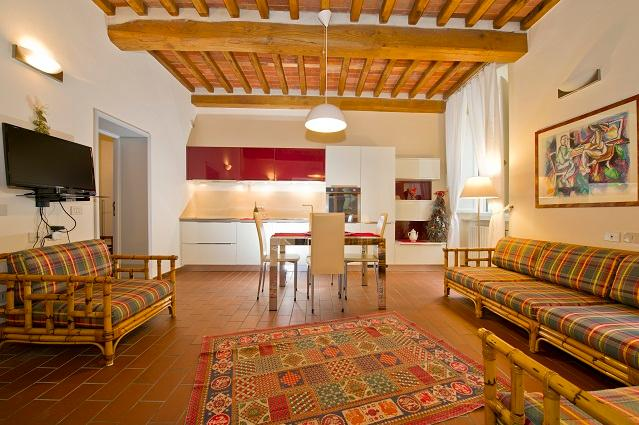 Lucca city center rental holidays apartment, casa vacanza a San Pietro in Campo