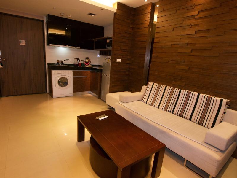 Small kitchen, washing machine, micro wave etc