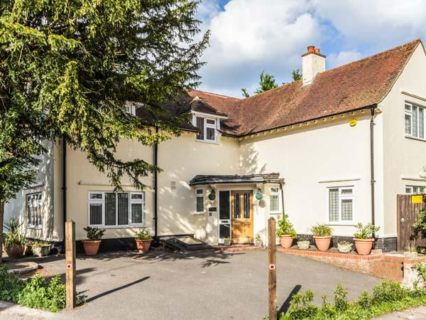 YEW TREE detached, four poster bed, en-suite, pet-friendly, WiFi, in, casa vacanza a Goodnestone
