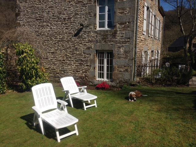 The Manor has a relaxing Garden area.
