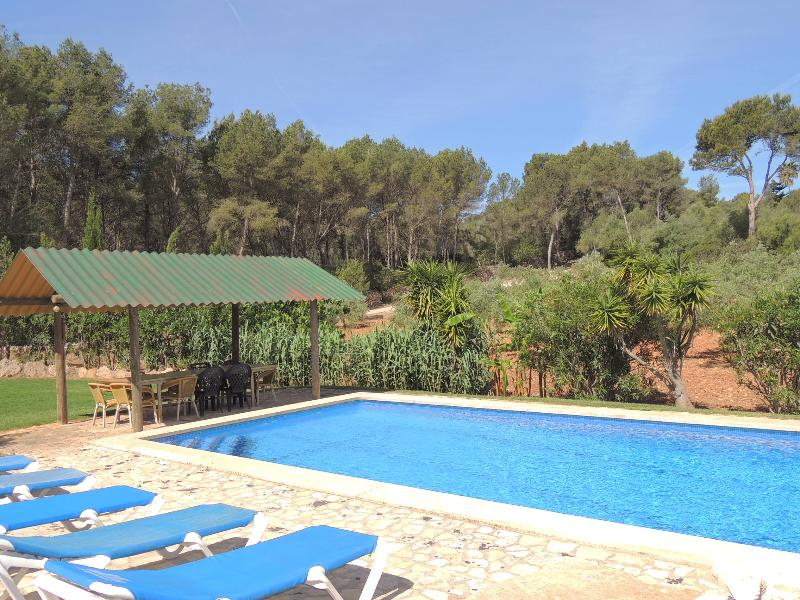 VILLA BOSQUE, holiday rental in Puig de Ros