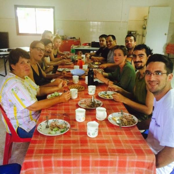 Everybody, Meal time and the Homtel Farmstay!