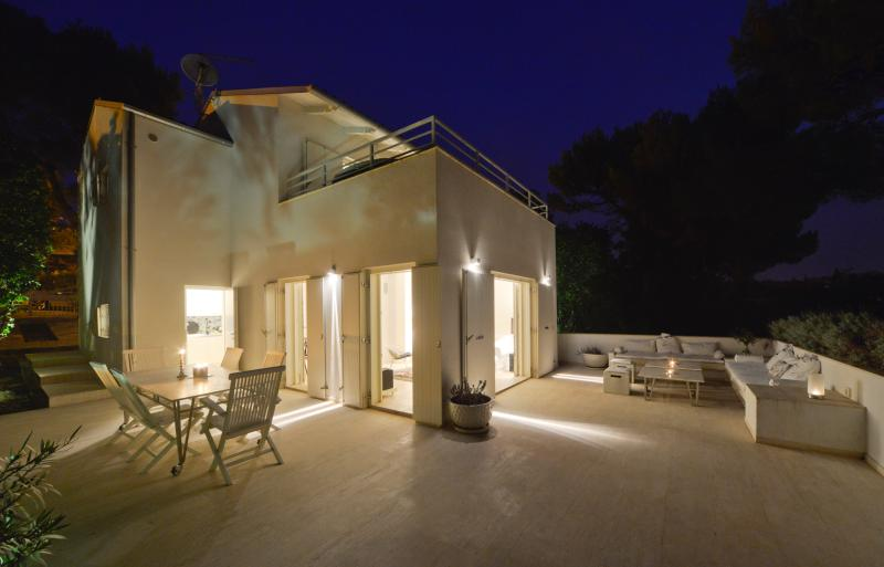 Exclusive Villa M, Rovinj, Borik, holiday rental in Rovinj