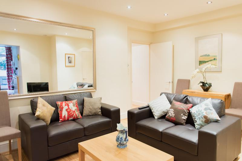 Luxury Garden Flat in Westminster By The Palace, vacation rental in London