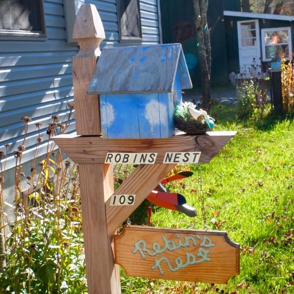 Robin's Nest Post