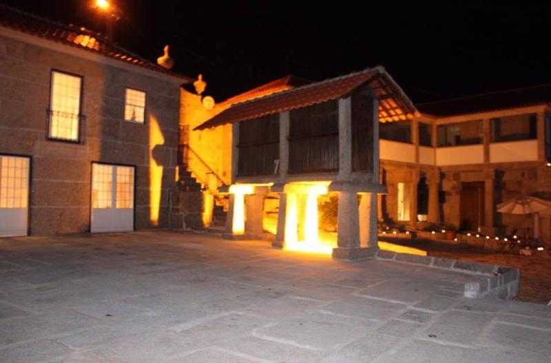 Casa da Ventozella - Casa de Campo, holiday rental in Parada de Todeia