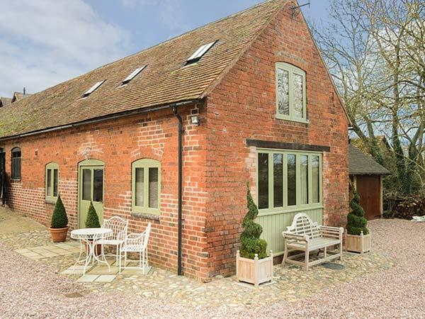 HAM'S HOUSE barn conversion, romantic, woodburning stove, views, WiFi in, holiday rental in Boraston