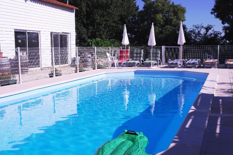 'Duplex' Boutillon gites 4* family accommodation, vacation rental in Saint Medard d'Aunis