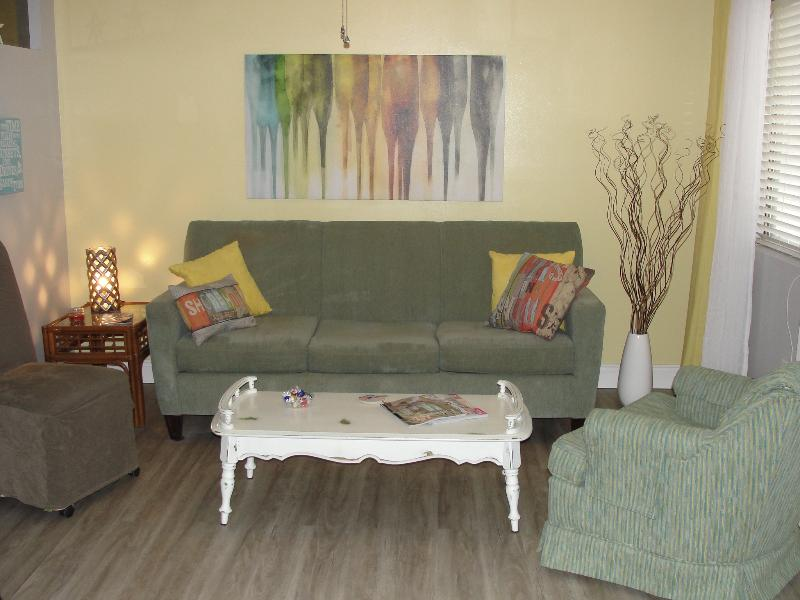 Tranquil boutique complex just 50 steps to the beach!