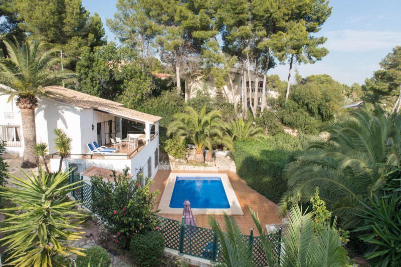 Laz Terrazas/ Private pool,garden,Seaview,electronic gates to driveway/wifi/a.c, aluguéis de temporada em Moraira