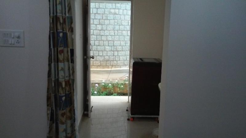 Side Exit - Wash Room
