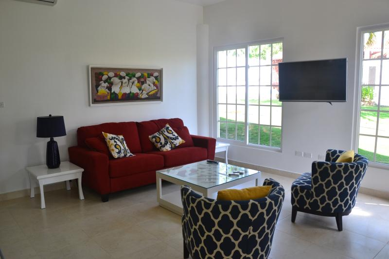 Living Room with Pullout
