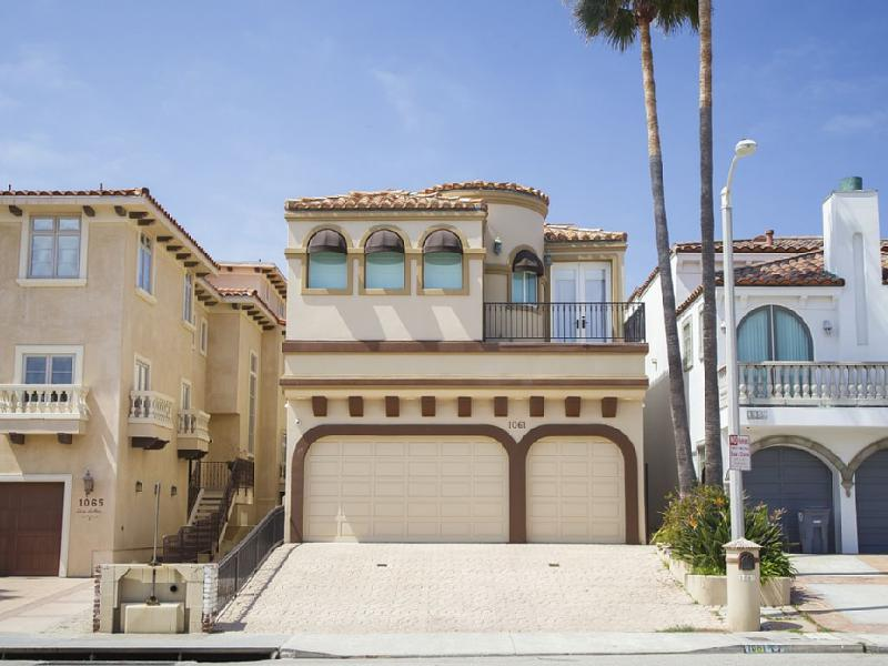 1061MBR-The NEW Bel-Air at the Beach, holiday rental in Oxnard