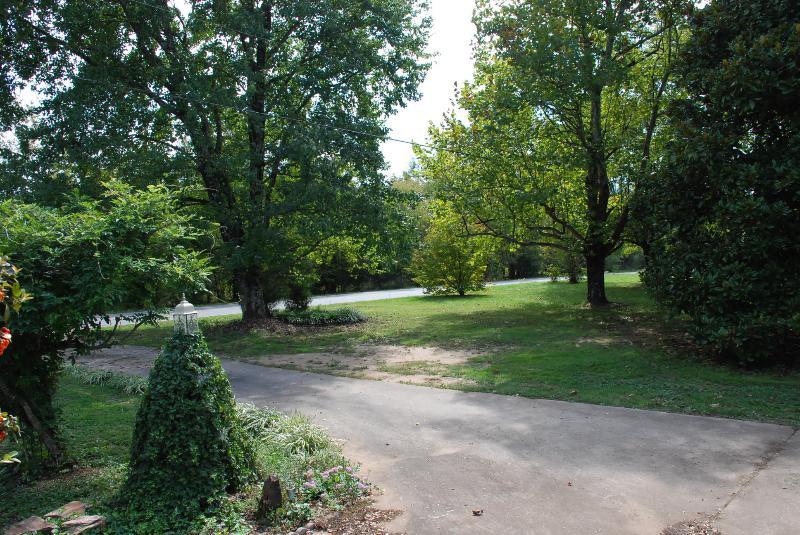 Plenty of parking for cars, trucks, rvs, bikes, motorcycles, hovercraft, etc. Side yard.